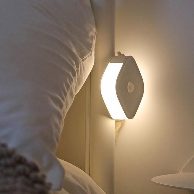 LED Night Light with Wireless Sensor USB Charging, 120 Days Standby, White