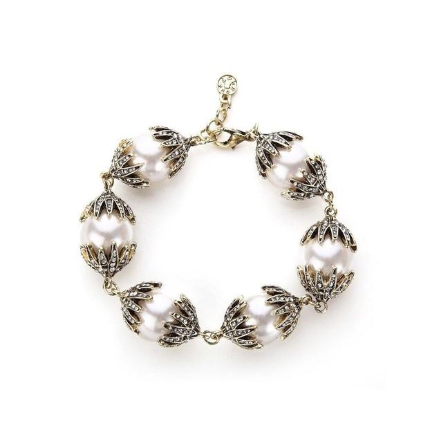 Novadab Pearl-Oyster Heraldry White Antique Bracelet