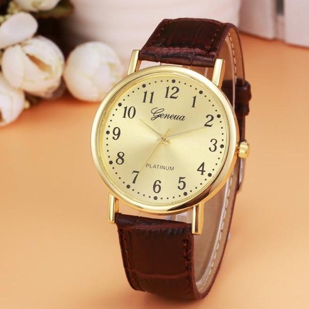 Woman Mens Retro Design Leather Band Analog Alloy Quartz Wrist Watch