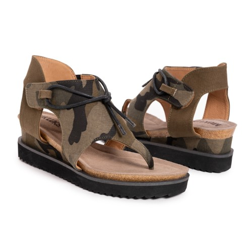 Mukluks Women's Pitch Solo Wedge Sandal