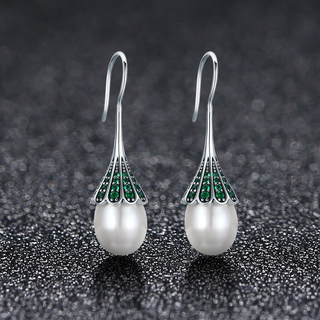 Sterling Silver (solid) Freshwater pearl Zirconia vintage dangle earrings
