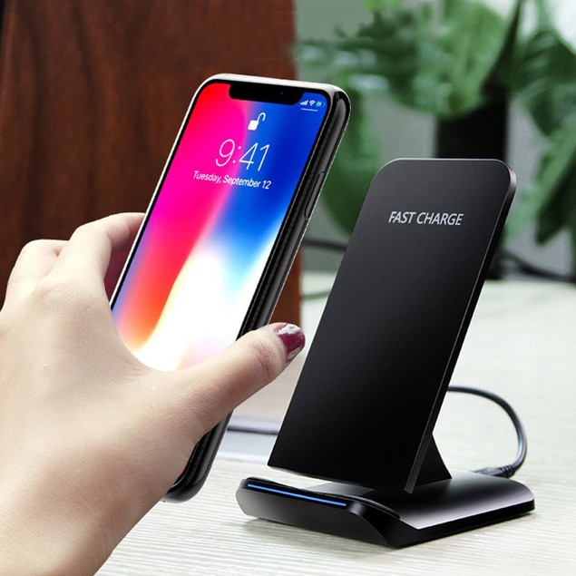 Wireless Fast Charger for iPhone, Samsung and all Qi Devices