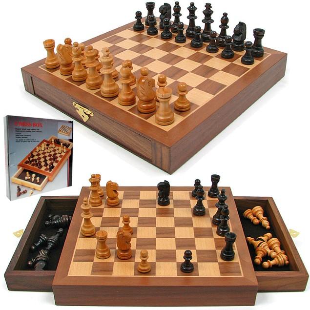 Inlaid Walnut style Magnetized Wood w/Staunton Wood Chessmen