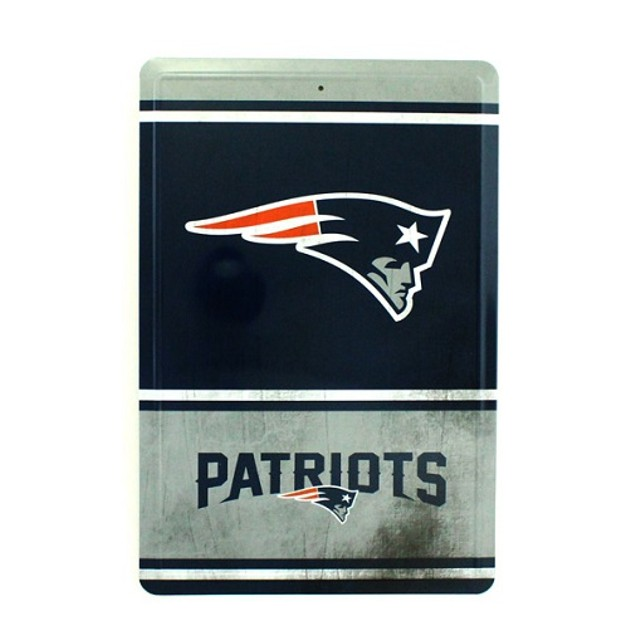 New England Patriots NFL Team Logo Tin Sign