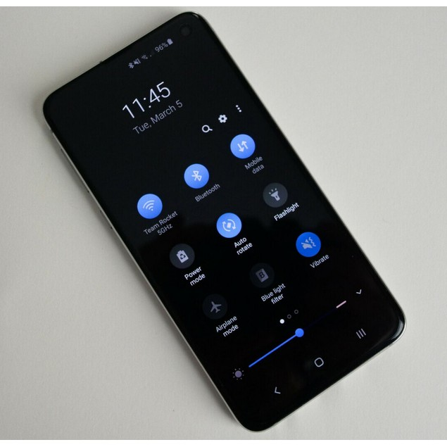 Samsung Galaxy S10e, Unlocked, Black, 256 GB, 5.8 in Screen