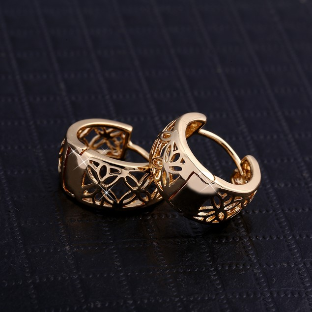 Classic hollow Hoop earrings