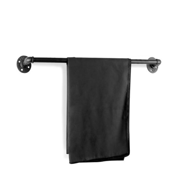 Pipe Towel Rail   MandW