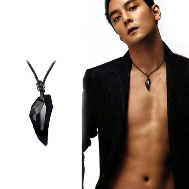 Mens Ladies Classic Fashion Sexy Crystal Wolf Tooth Pendant Necklace