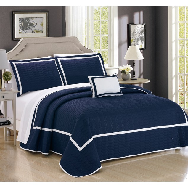Chic Home 6/8 Piece Brandyn Hotel Collection 2 tone banded Quilt in a bag