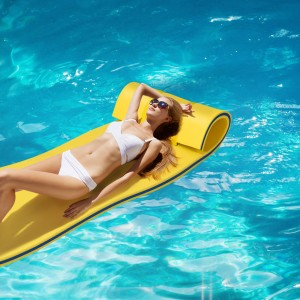 Costway 3-Layer Tear-Resistant Foam Floating Pool Pad
