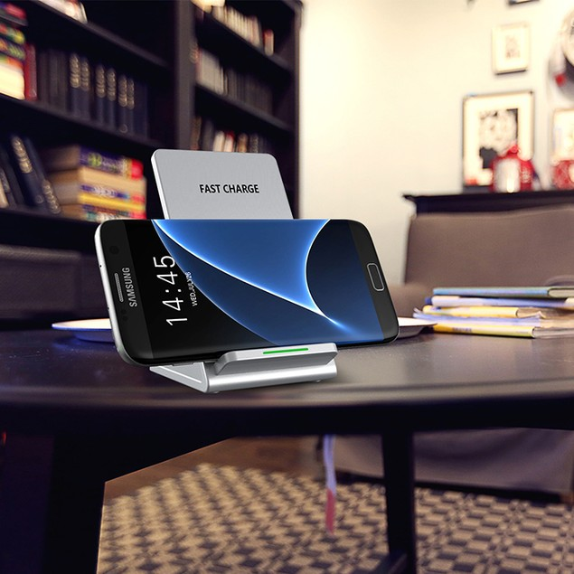 COMBO Wireless Fast Charger for Qi Devices + 4-Port USB Wall Charger
