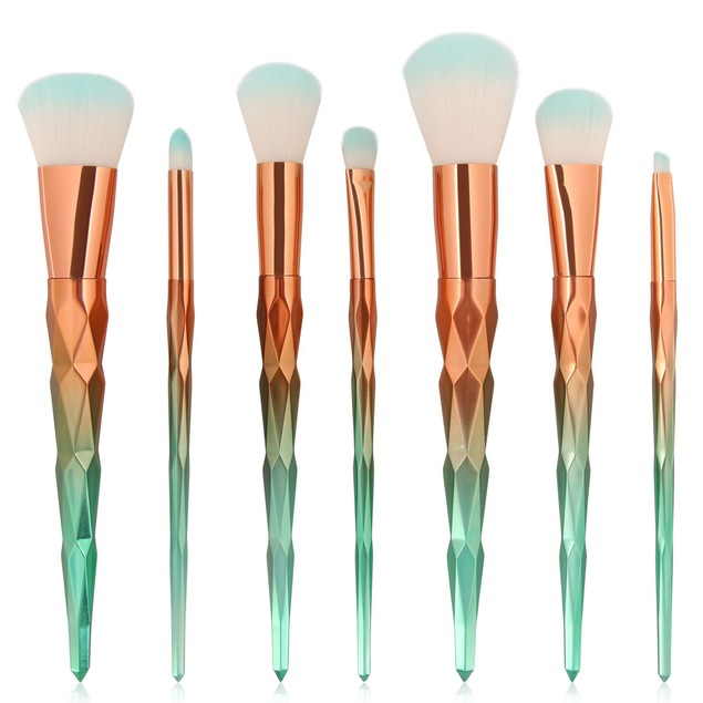 7PCS Make Up Foundation  Blush Cosmetic Concealer Brushes 131