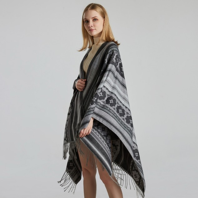 Ladies Jacquard Shawl Street Fashion To Keep Warm