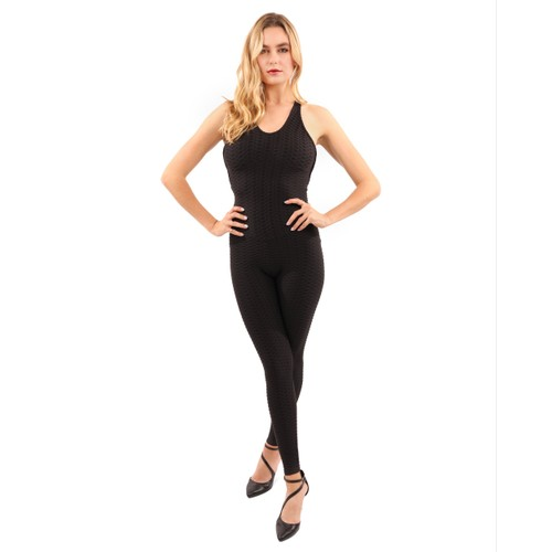 Alanda Jumpsuit in Black with Form-Fitting Fabric
