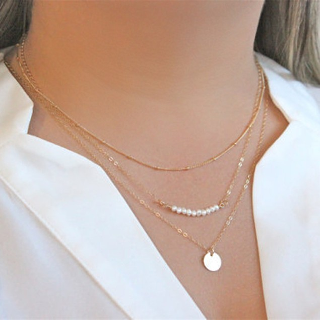 Women Stylish Faux Pearls Pendant Necklace