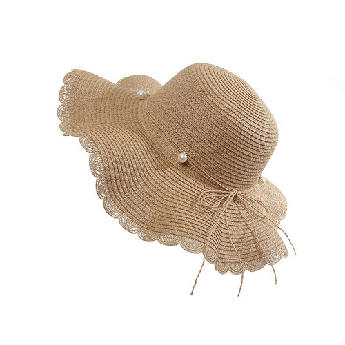 Female Waves Along The Straw Hat With Pearl Bow
