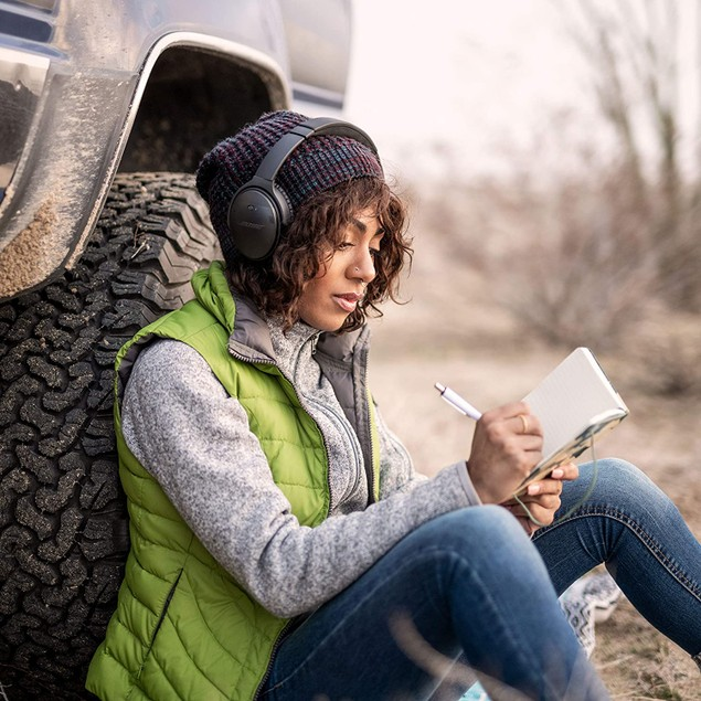 Bose QuietComfort 35 II Wireless Bluetooth Headphones, Noise-Cancelling, with Alexa Voice Control