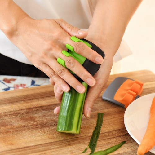 2-Pack Vegetable Finger Safety Peeler