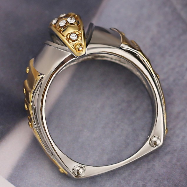 Golden Fish Mouth Shaped Unisex Ring With Rhinestones