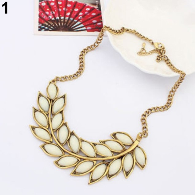 Lady Resin Leaves Branch Pendant Necklace