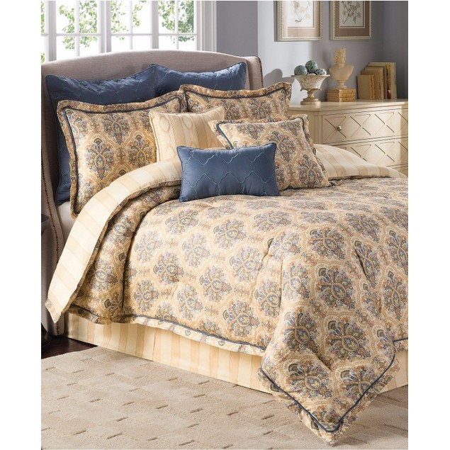 """Savannah Home Laurelwood Embroidered 18"""" x 18"""" Decorative Pillow Bedding"""