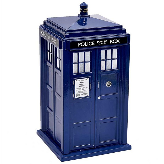 Doctor Who Battery Operated Lighted Tardis Tree Topper