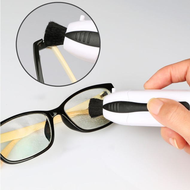 Portable Eyeglasses and Sunglasses Cleaner