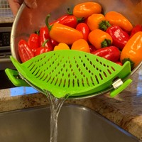 Clip-on Silicone Kitchen Strainer