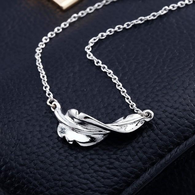 Boho Leaf Pendant Necklace