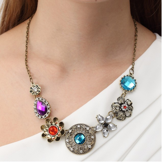 Boho Chic Floral Flair Necklace