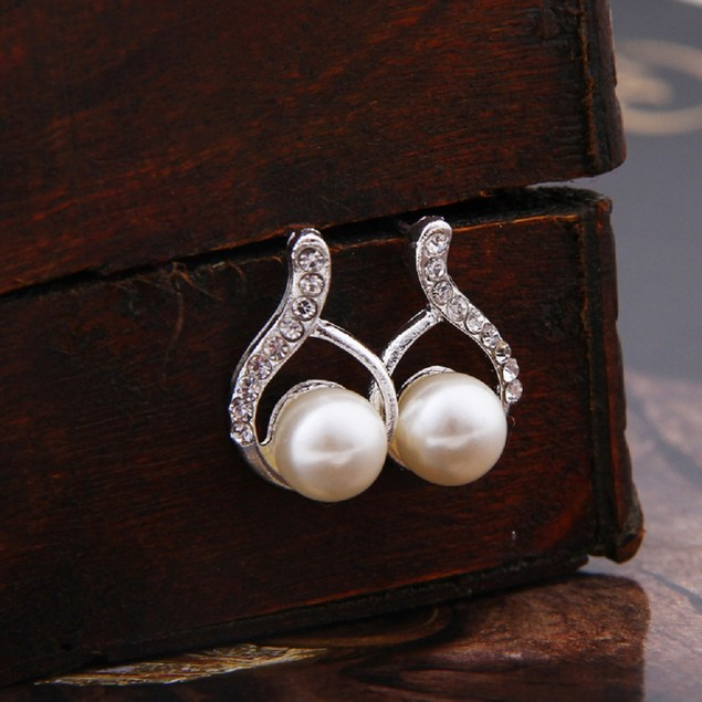 Silver Tone Ribbed Pearl Earrings