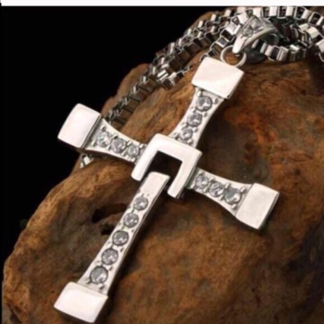 18kt White Gold Plated Cubic Zirconia Drop Cross Necklace