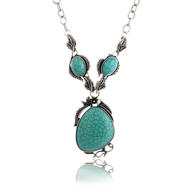 Antique Leaves Carved Cabochon Turquoise Necklace