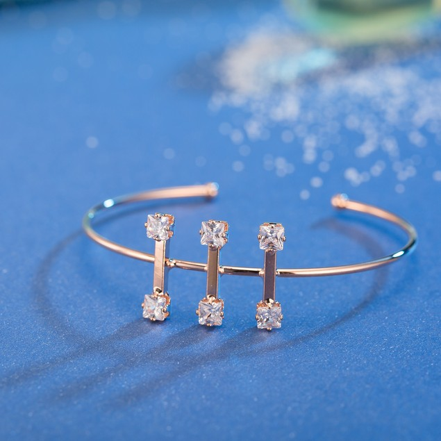 Rose Gold Plated Trio Jewels Vertical Bangle