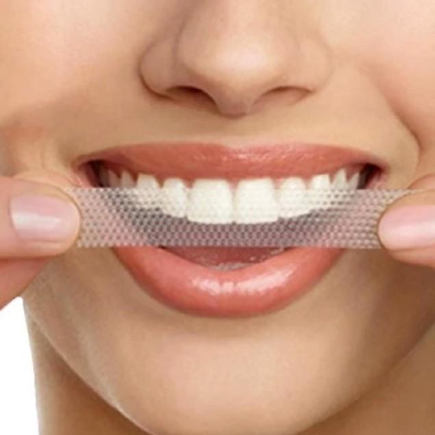 Crest 3D White Glamorous Whitestrip Dental Teeth Whitening Strips Kit