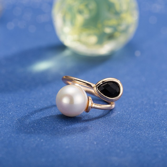 Gold Plated Onyx & Pearl Ring