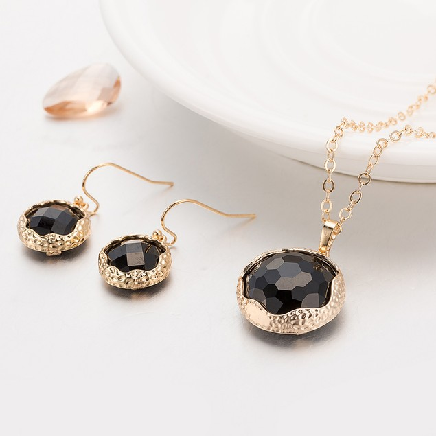 Gold Plated Sleek Onyx Necklace & Earrings Set
