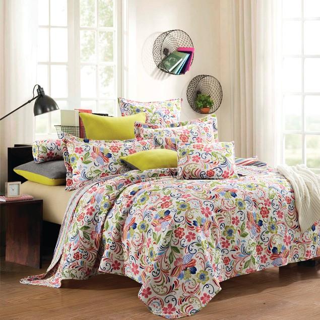 3-Piece Set: Comfy Quilt & Shams - Flower World