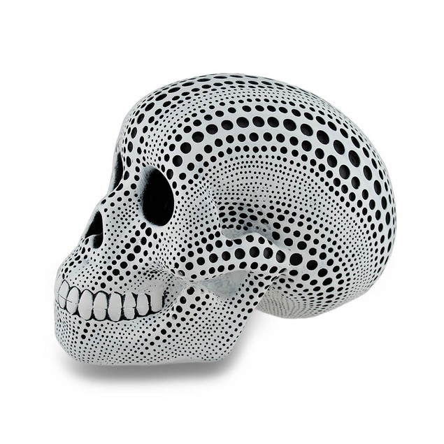 White And Black Hole Dotted Human Skull Statue 6 Head Sculptures