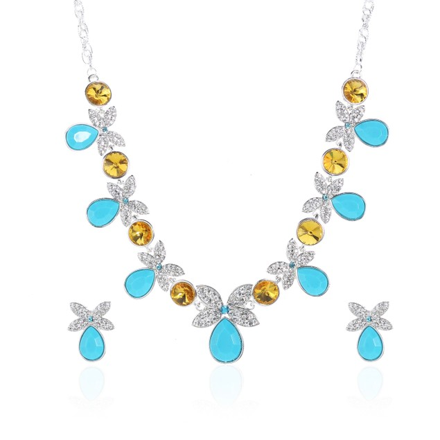 Luxurious Turquoise Butterfly Crystals Necklace Set