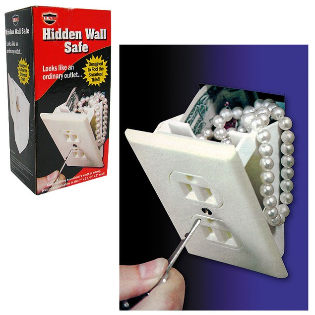 Hidden Wall Safe – Looks Like an Ordinary Outlet