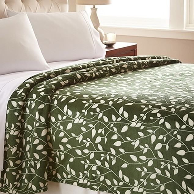 Luxurious Soft Flannel Fleece Leaf Pattern Blanket - Assorted Colors