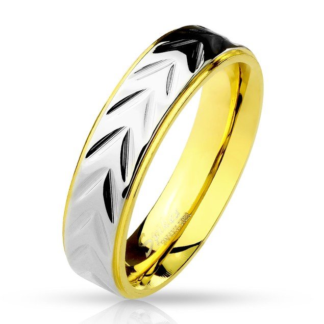 Scale Pattern Center Step Edge Gold IP Stainless Steel Ring