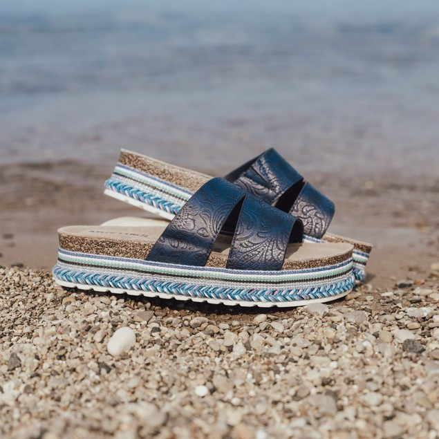 Women's Beach Blanket Platform Sandal