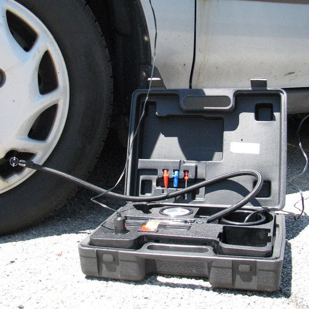 Portable Air Compressor Kit with Light
