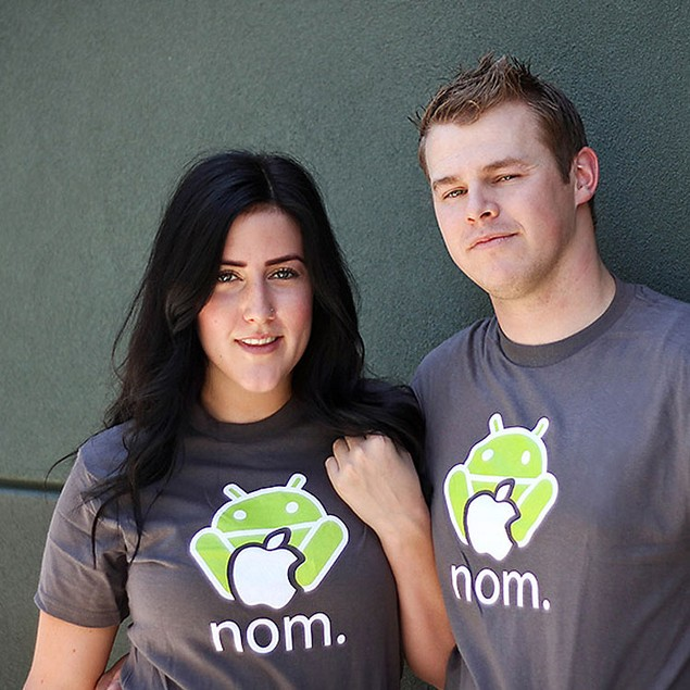 Andy Nomming on an Apple T-Shirt