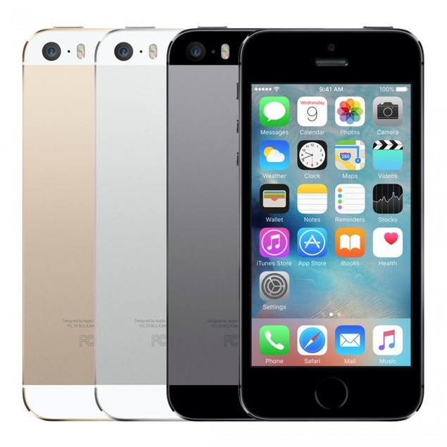 Apple iPhone 5S 32GB Unlocked Bundle (Charger, Tempered Glass, Case)