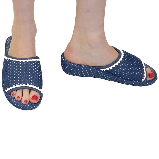 Women's Designer Dotted Slippers